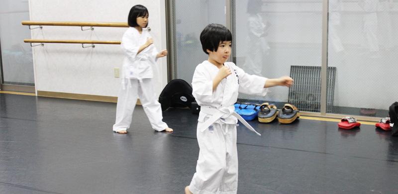 渋谷空手幼児の稽古